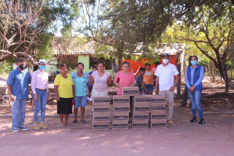 Entregan apoyos alimentarios en Rosario