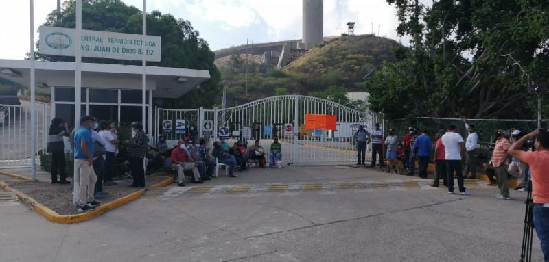 Habitantes del Puerto de Topolobampo mantendrán tomadas las instalaciones de la termoeléctrica