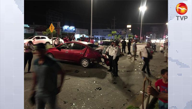 Carambola en la Rafael Buelna, 5 vehículos involucrados