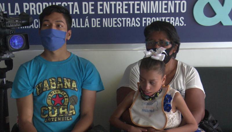 Desde hace dos años, Juan Carlos y Karla Eloísa, no reciben el apoyo del Programa Bienestar