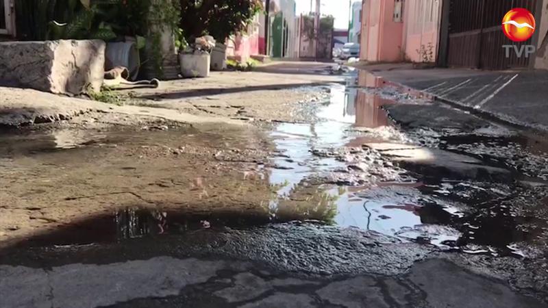 Fuga de aguas negras en Infonavit Jabalines