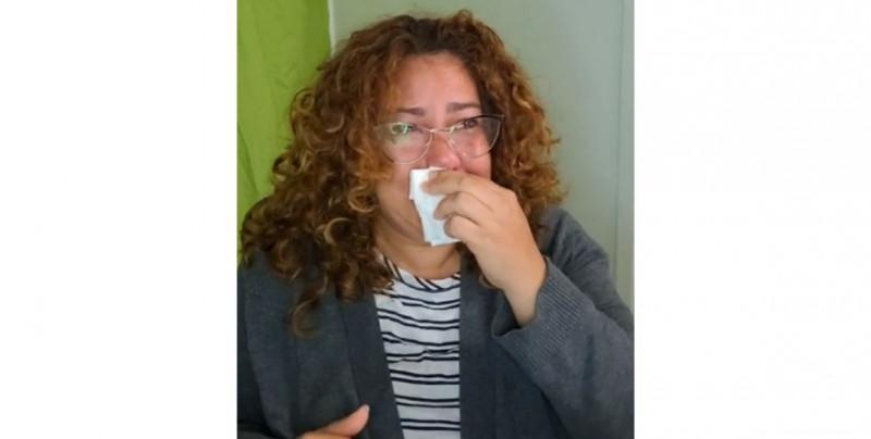 """""""A esta generación no le interesa aprender"""": Maestra llora del hartazgo por el desinterés de sus alumnos"""