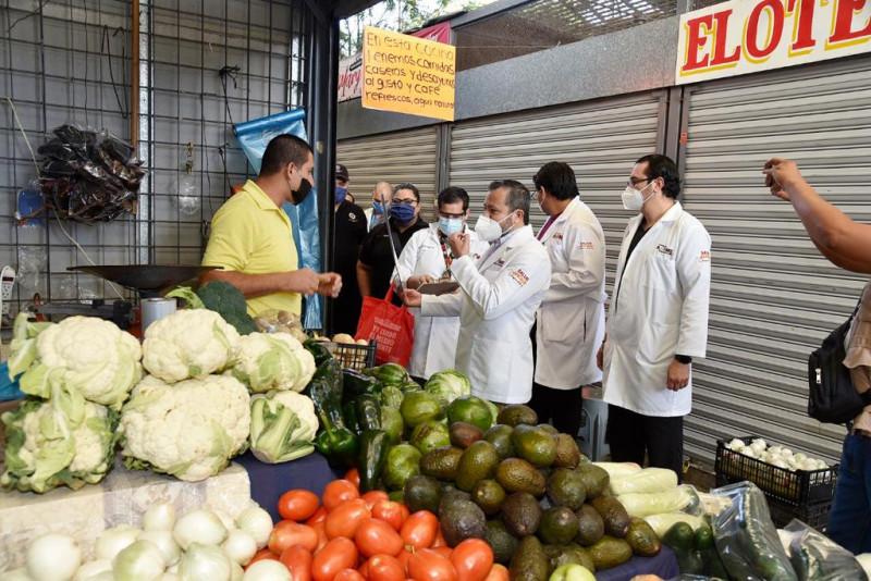 Autoridades municipales realizan supervisión de protocolos sanitarios en mercados de Los Mochis