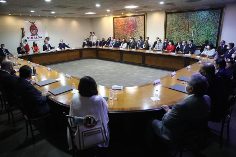 Designan a nuevos notarios públicos en Sinaloa