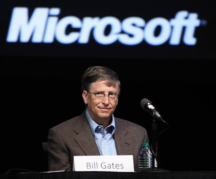 Bill Gates pronostica un mundo con menos viajes de negocio y horas de oficina