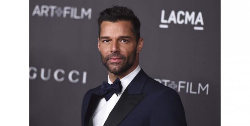 Ricky Martin confiesa tener embriones congelados esperando para ampliar su familia