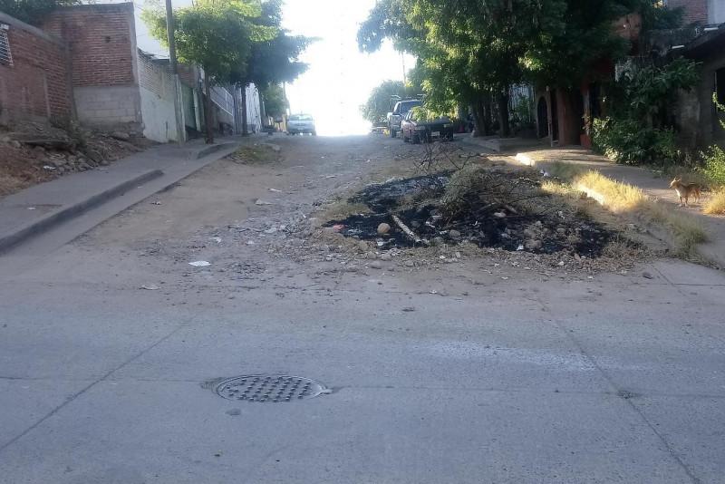 En mal estado la calle Leyes de Reforma