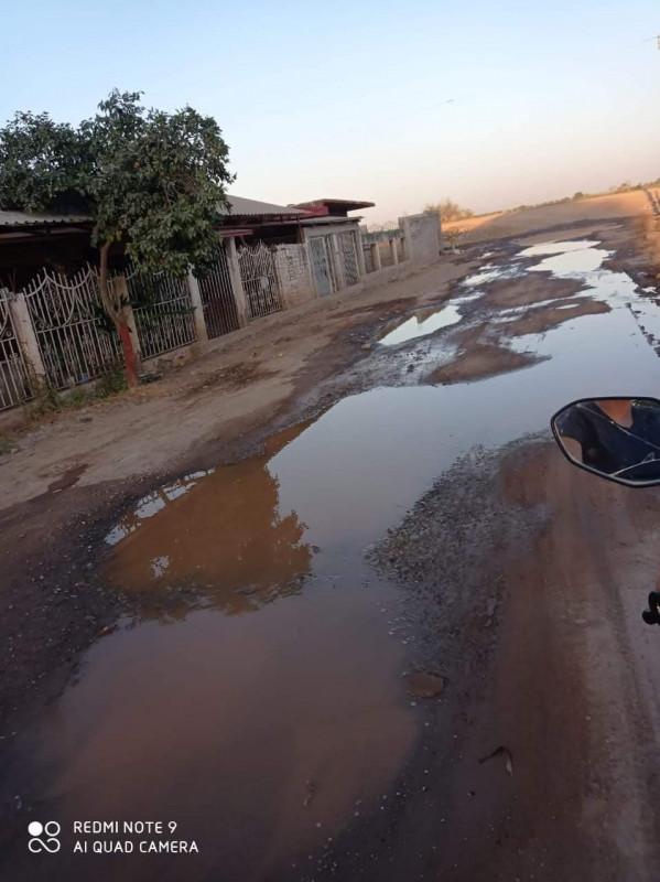 vecinos de la Arrocera El Fuerte tienen más de dos días sin agua