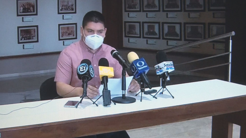 Pedro Lobo acusa de misógino a Jesús Estrada Ferreiro