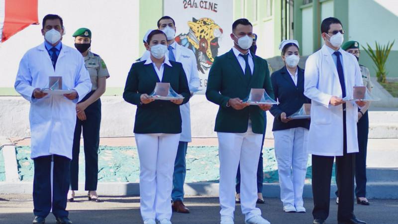Reconocen al personal del IMSS con la condecoración Miguel Hidalgo en Grado Cruz