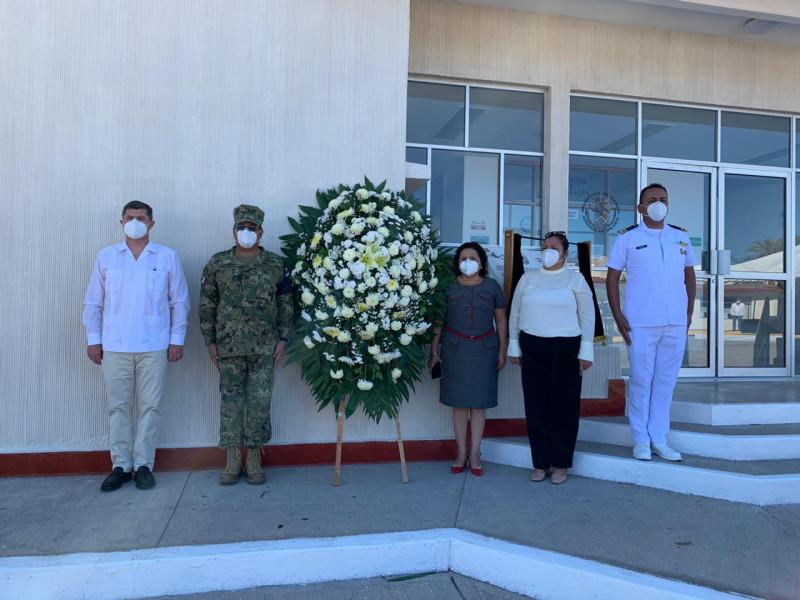 Autoridades municipales y militares conmemoran el Día de la Armada de México