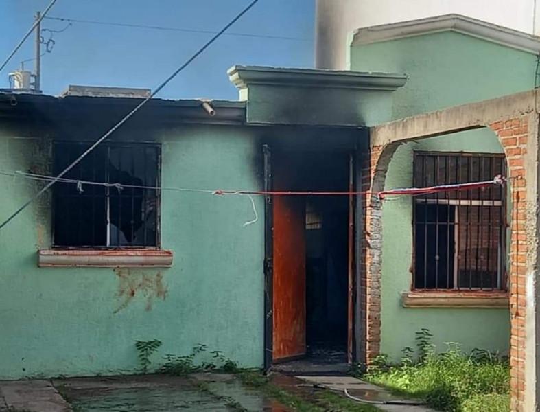 Incendio de ropa en una vivienda deja una mujer lesionada en Mazatlán