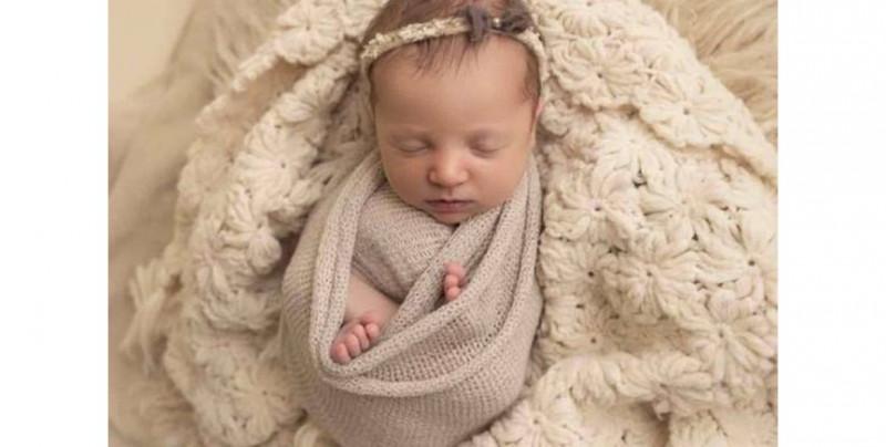 Esta bebé nació después de ser un embrión congelado por 27 años