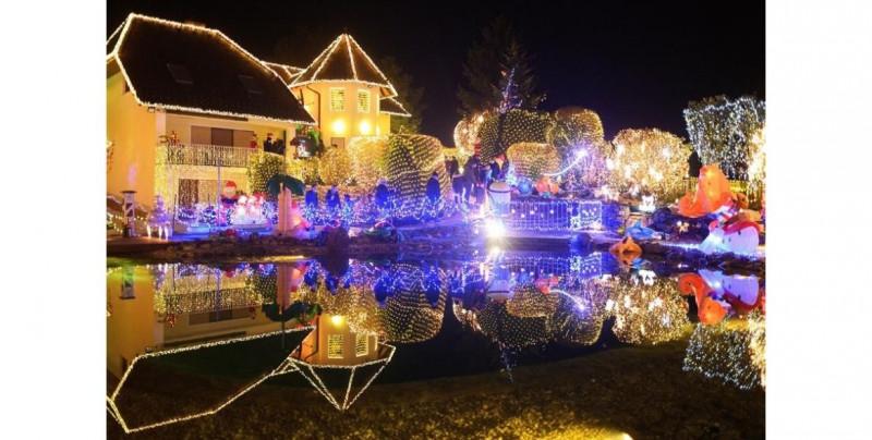 Te mostramos la casa del medio millón de luces navideñas