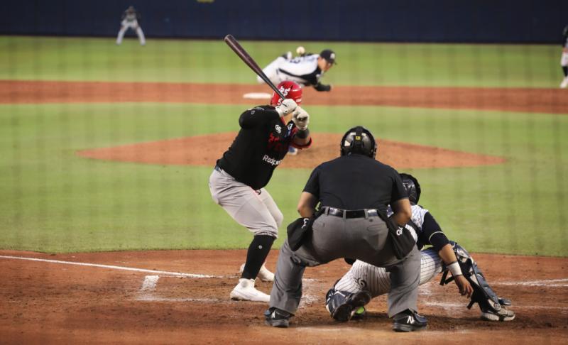 Mazatlán pierde el primero en Monterrey en gran duelo de pitcheo