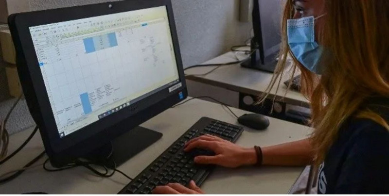 Diputados aprueban que los patrones paguen parte de la luz y el internet de sus empleados en home office