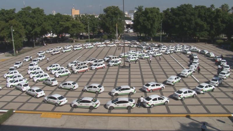 Entregan 100 nuevos taxis para remodelar el transporte en Sinaloa