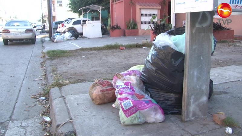 Batallan cada semana con la recolección de basura