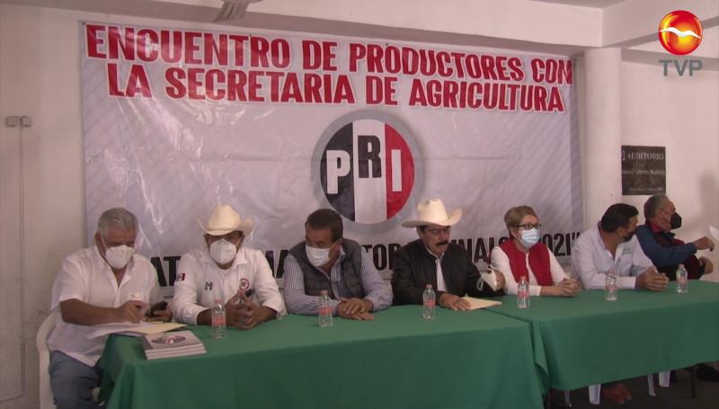 PRI sostiene encuentro con productores agrícolas