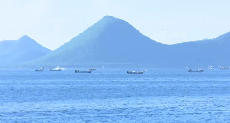 Pescadores de 'Topo' saufragan a la deriva