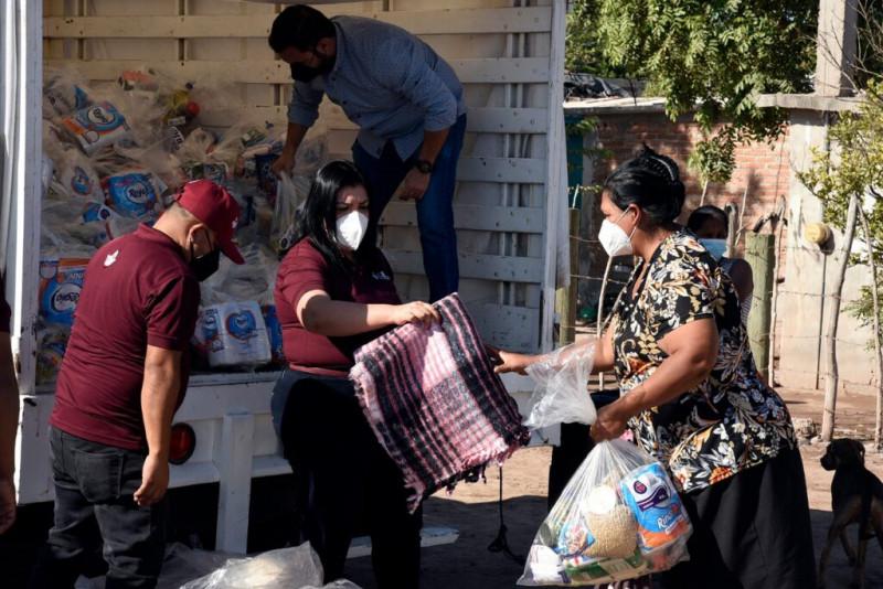 Avanza a un 50% el programa Abrigando Ahome: Hilda Rodrigo