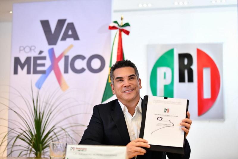 """Alianza """"Va por México"""" se conforma por 180 distritos electorales federales"""