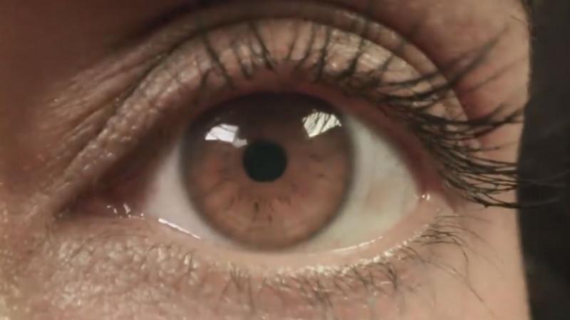 El uso excesivo de computadoras puede generar molestias en los ojos