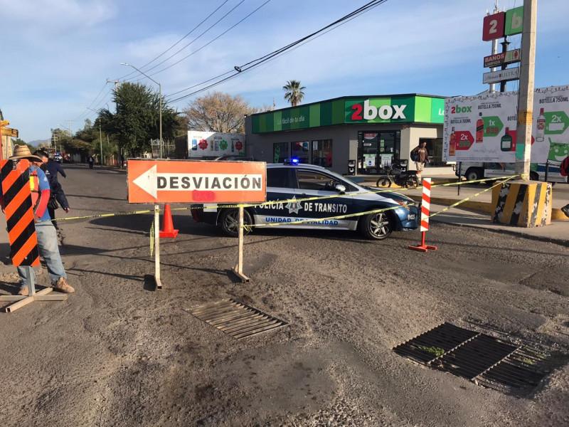 Cerrada la Avenida Poniente, rúa de acceso a la colonia Infonavit Las Flores