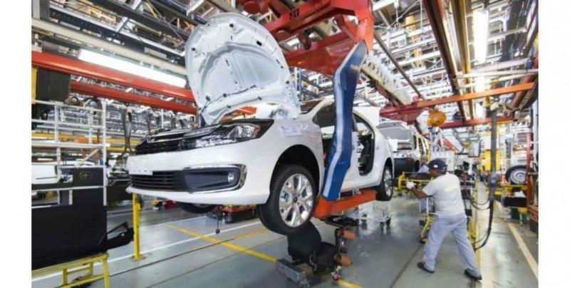 La producción y exportación de vehículos de México cae 20 % en 2020, una de las industrias más importantes del país