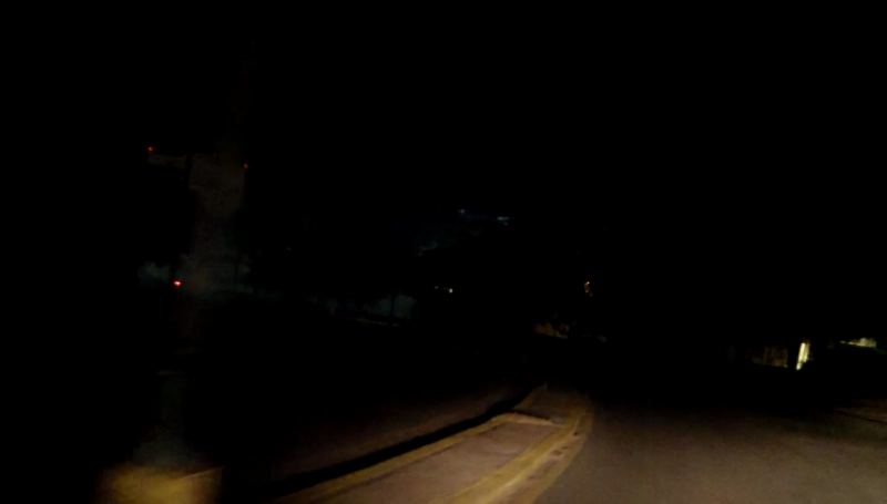 Avenida de los Deportes sin luz, un peligro latente