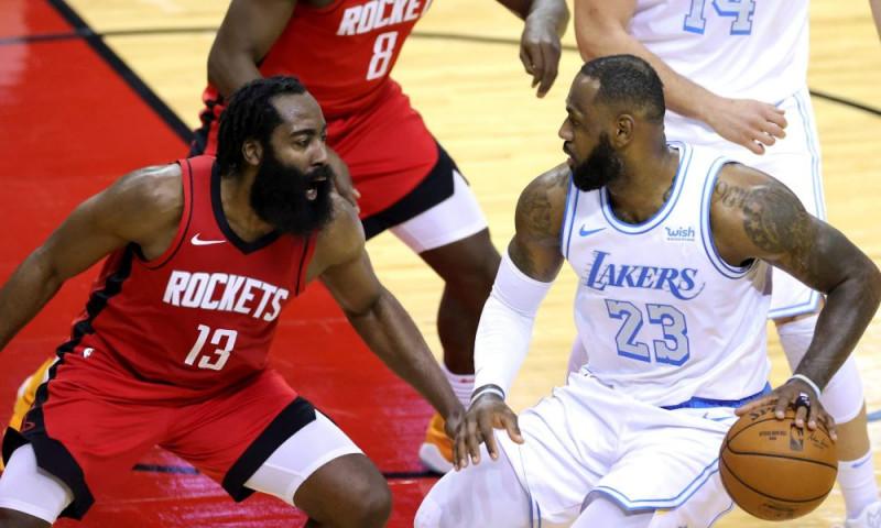 Los Lakers vencieron a los Rockets con gran actuación de Anthony Davis
