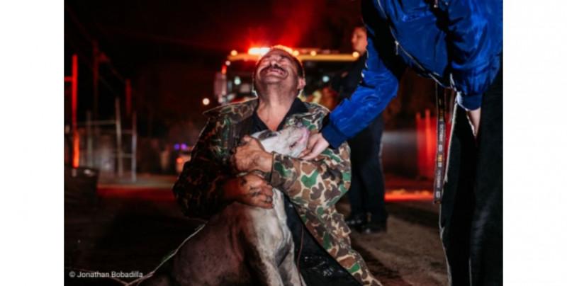 Mario lloró de alegría al recuperar a su perro a pesar de perderlo todo en un incendio: Mexicali se une para ayudarlo