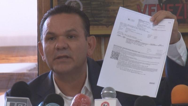 Sergio Torres exhibe a Jesús Valdés por presunto desvío de recursos en compra de Software