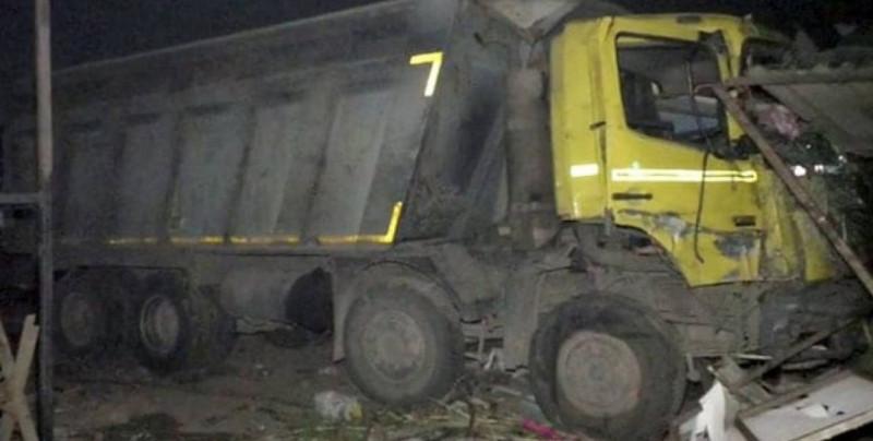 15 personas mueren arrolladas por un camión mientras dormían a la orilla de una carretera de la India