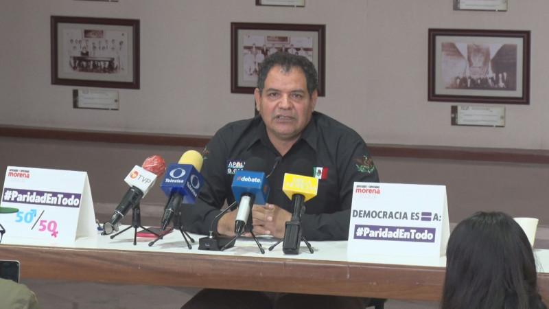 Apolinar García defiende matrimonio entre un hombre y una mujer