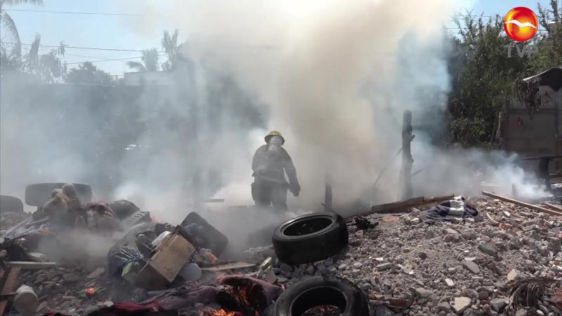 Bajan incendios por pirotecnia, pero repuntan los de baldíos en Mazatlán