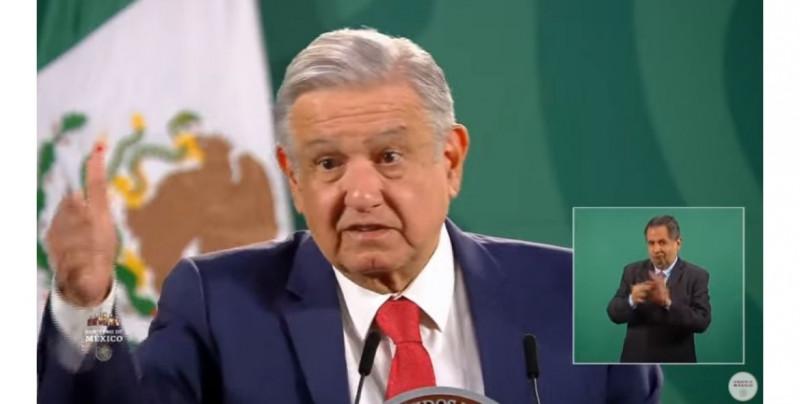 """AMLO celebra la congelación de la construcción del muro fronterizo y que """"no hay ninguna amenaza en contra de México"""""""