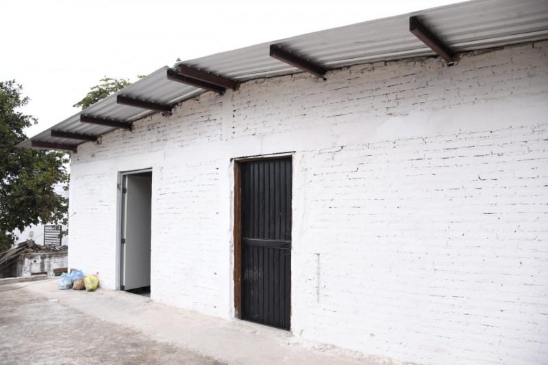 Avanza reconstrucción de viviendas incendiadas en Los Mezcales