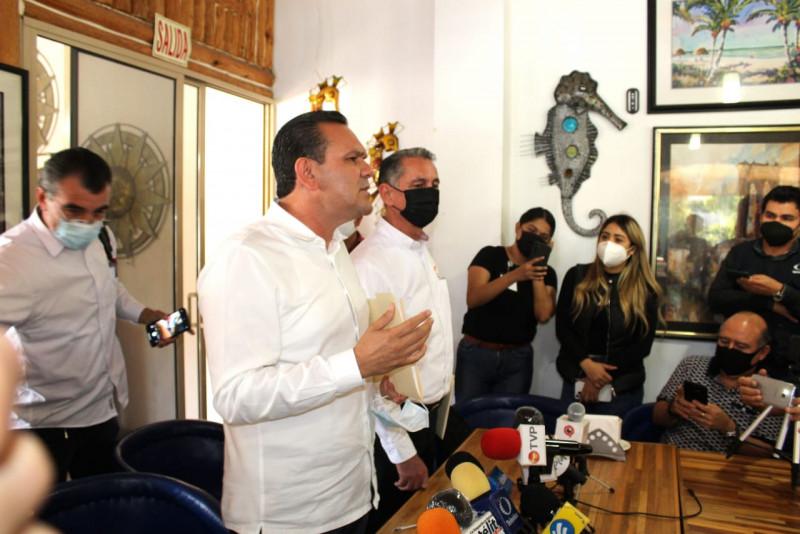 Denuncia Sergio Torres por supuesto fraude a Jesús Valdés
