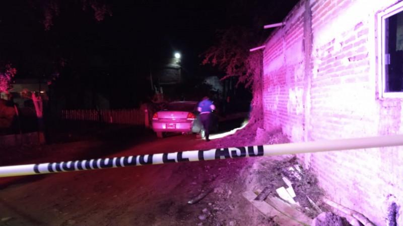 Dentro de un auto encuentran asesinada a una persona en la Cucas