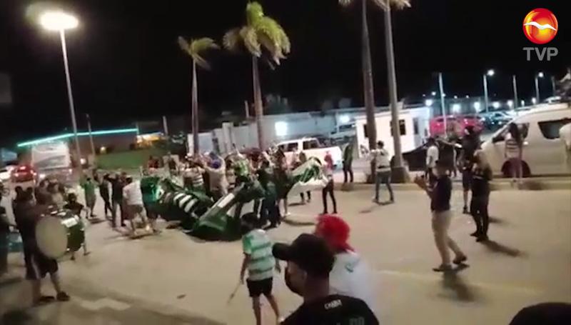 Aficionados del Santos protagonizan trifulca en Mazatlán