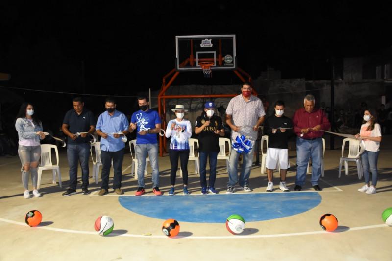 Rehabilitan cancha de baloncesto en la Sindicatura de Agua Verde, Rosario