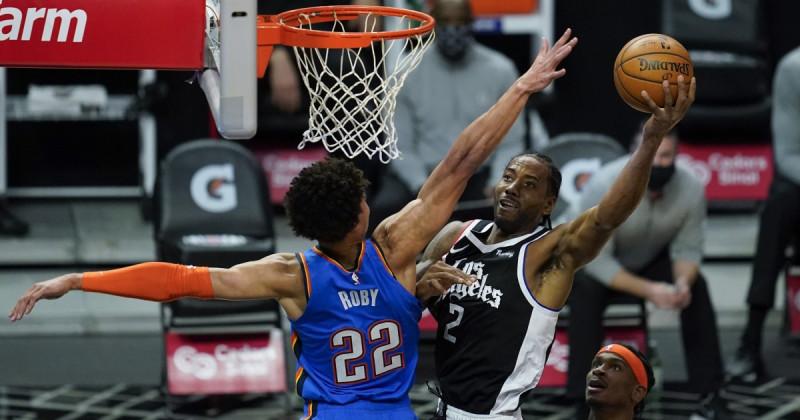 De la mano de Kawhi Leonard los Clippers se llevan el triunfo