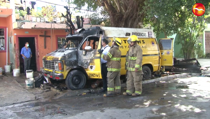 Se incendia ambulancia del grupo Panteras