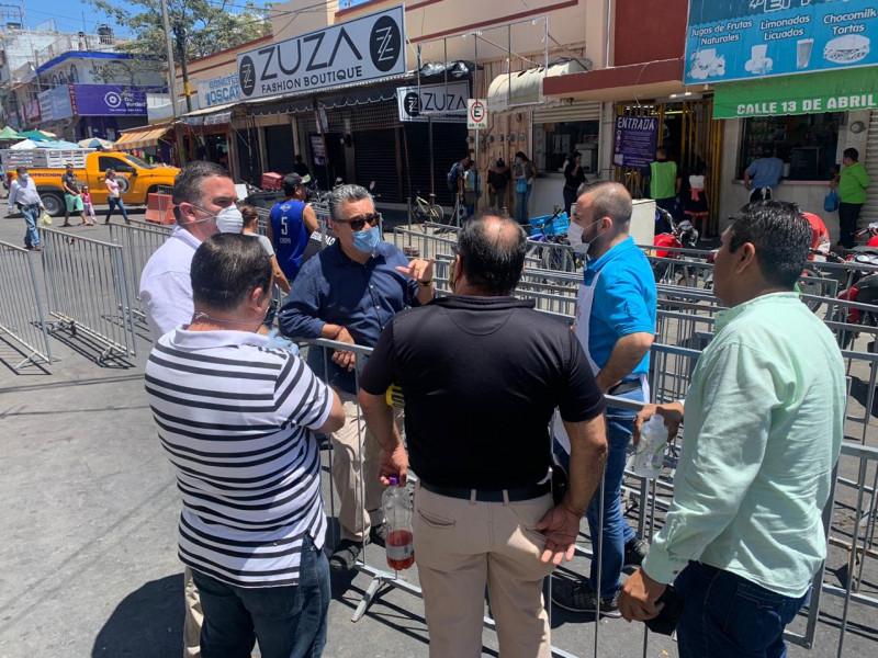 Sin relajarse medidas sanitarias en Mercados de Mazatlán