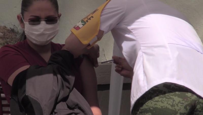 Se está politizando la vacunación en México: Cuén Ojeda