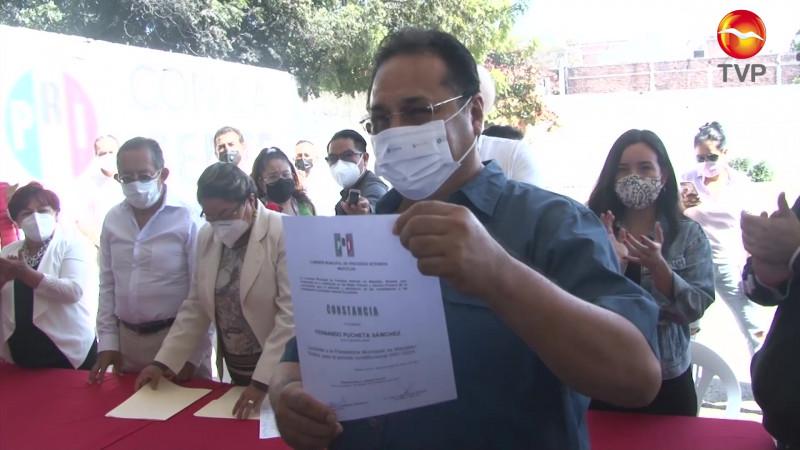 Recibe Pucheta constancia de precandidato del PRI a la Alcaldía de Mazatlán