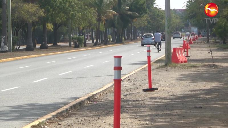 Desaparecen cajones de estacionamiento alrededor del Teodoro Mariscal