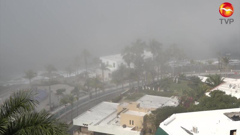 Obliga neblina a cerrar por horas el puerto en Mazatlán