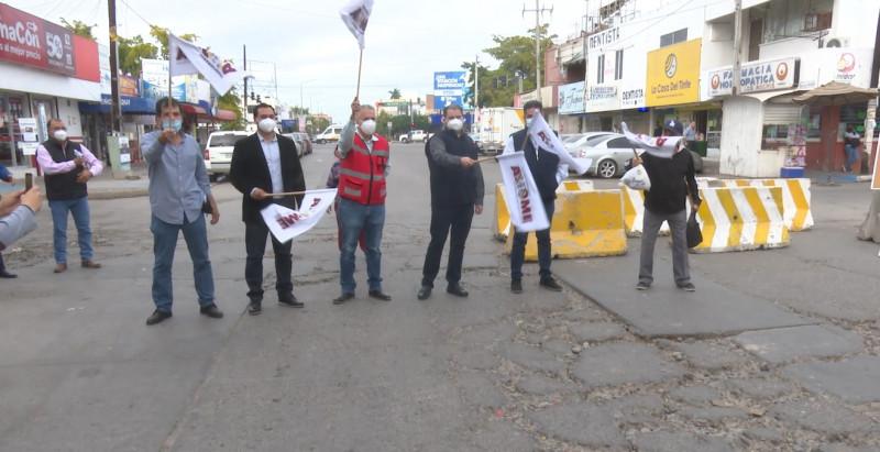 Pone en marcha ayuntamiento de Ahome reposición de loza de concreto